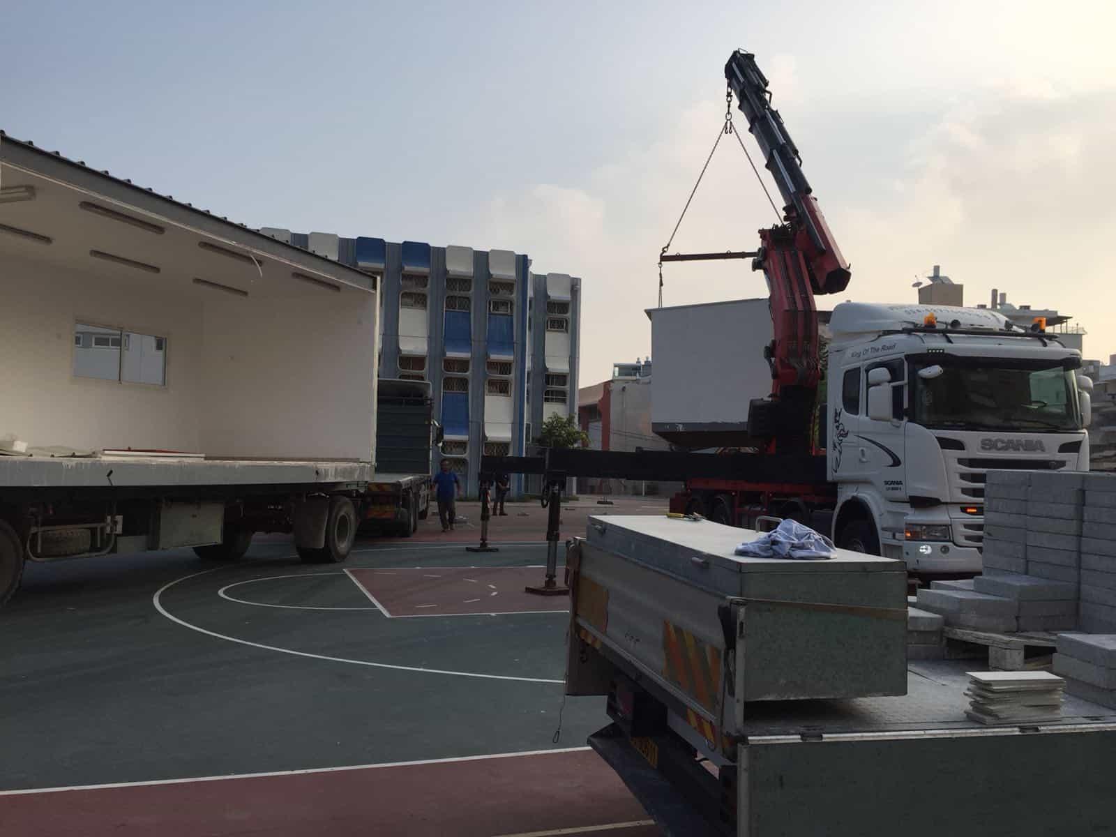 בינתיים יחזקו את הבניין המסוכן, צילום: אגף החינוך חטיבת קהילה