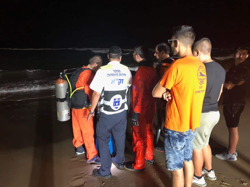 """הצוללנים של זק""""א יצאו לחיפושים בשעות הלילה, צילום: באדיבות דוברות זק""""א"""